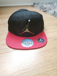 Jordan hat 4-7 (its small)  Waterford, 06385