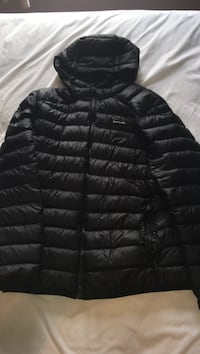 black roots bubble jacket      Large Toronto, M1R 1K8