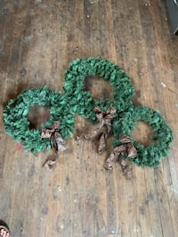 Holiday Christmas decorations wreaths Jeffersonville, 47130