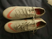 pair of white-and-red Nike sneakers Santee, 92071