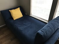 Crate and barrel daybed Arlington, 22204