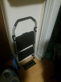 2step step ladder$20 obo Baltimore, 21202
