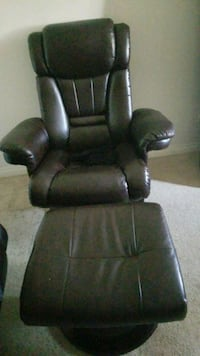 black leather recliner sofa chair Winnipeg, R3C 1N1