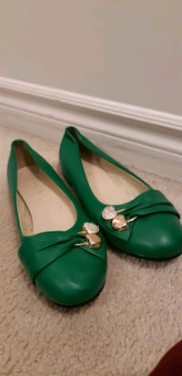 Size 7 green women's flats shoes Kitchener, N2C 2R8