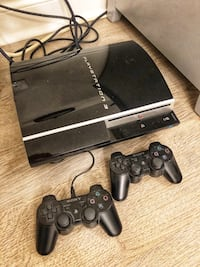 PS3 + 2 controllers + free 2K12 Toronto, M2N