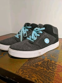 Grey Airwalk skater shoes  Windsor, N8Y 2H5