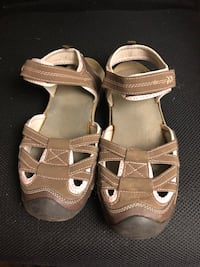 pair of brown leather sandals Portland, 97239