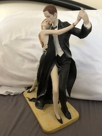 DANCERS STATUE WITH SPARKLY DETAILS ON HER GOWN! GREAT CONDITION  Oakland Park, 33334