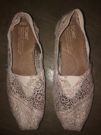 Crotchet TOMS- never been worn! Boston, 02127