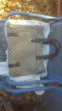 Gucci Purse with Authenticity Card Coquitlam, V3K 5V4