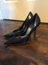 GUESS Black Leather Heels size 6 Kitchener, N2P 2A9