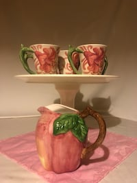 Vintage Floral Cups & Pitcher ++ Cincinnati