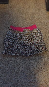 Black and pink leopard print skirt  Hamilton, 45013