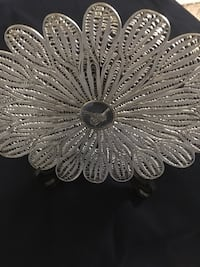 Silver plated filigree decorative oval plate Ottawa, K2B 5Z9