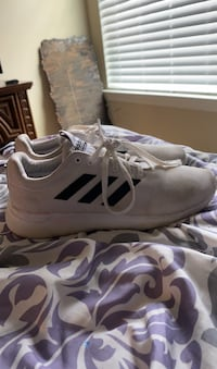 womens adidas sneakers size 9