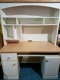 white and brown wooden computer desk with hutch Brampton, L6R