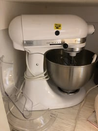 white electric stand mixer Bakersfield, 93311