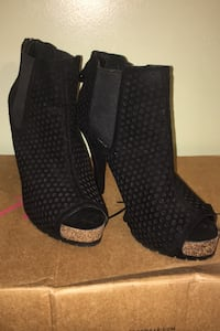 Shoes black by Vera Wang size 9M Glenwood, 51534