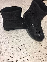 G by guess black warm boots size 6 Toronto, M1L 3G1
