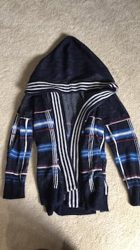 Urban Outfitters sweater Mississauga, L5L 5H8