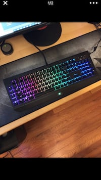 Blackwidow Chroma V2 (Yellow Switches) < 1 mi