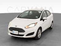 2018 Ford Fiesta sedan SE Sedan 4D White <br />