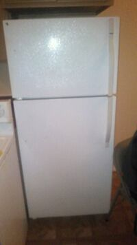 white top-mount refrigerator San Antonio, 78211
