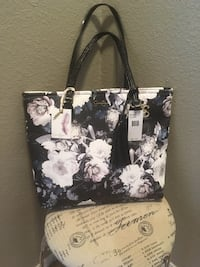 black and white floral leather tote bag Rio Rancho, 87124