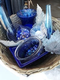 clear and clear glass vase
