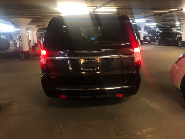 Chrysler - Town and Country - 2013 e7a073dd-c6a0-460e-bff7-b8a95b8daa25