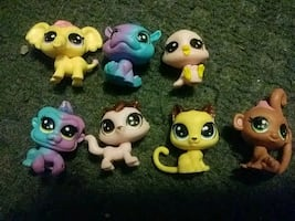 Animal jam figurines