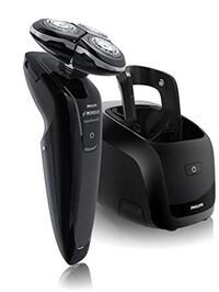 black Philips electric shaver with charger Roslyn Heights, 11577