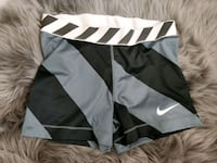 size M nike pro shorts Richmond, V6Y 2R7