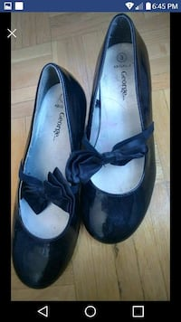 pair of black leather flats Ottawa, K1V 8Z3