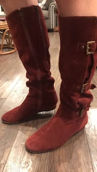 Red suede boots Wappingers Falls, 12590
