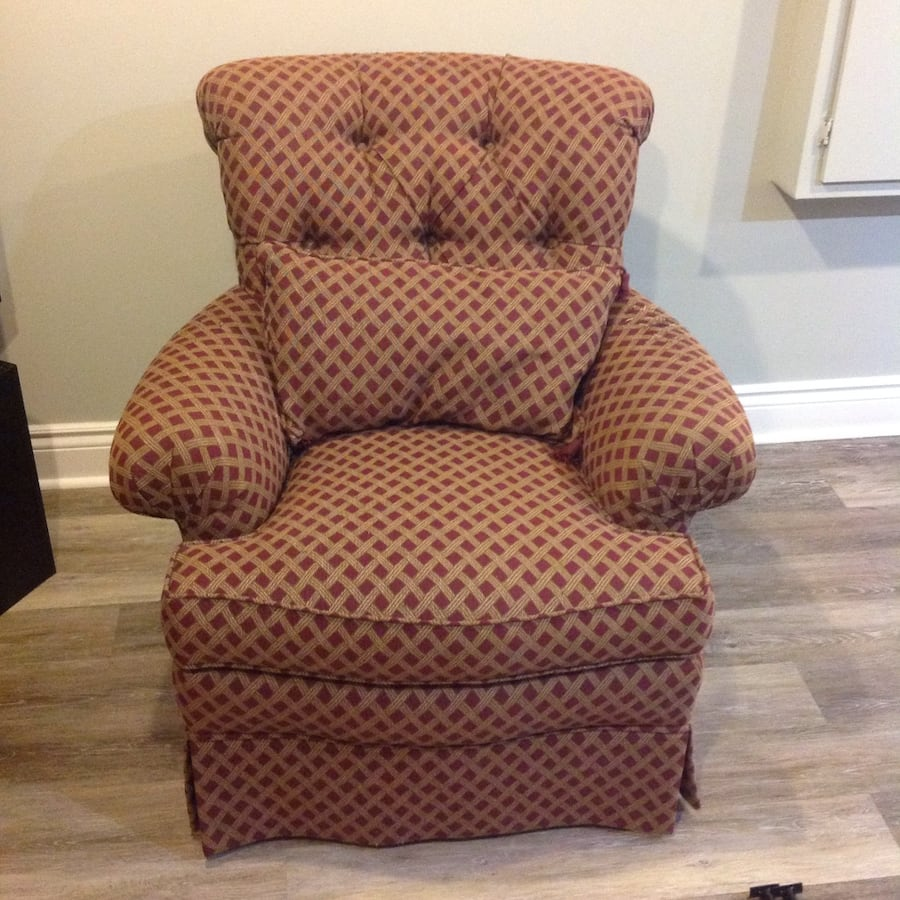 Red and gold patterned Thomasville Chair ddd513c6-4cbc-4a34-9bae-d2628a92a5a4