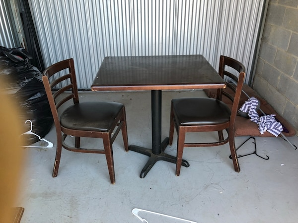 Table & 2 chairs 0