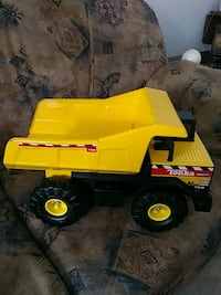 yellow and black dump truck toy Laval, H7R 1T5