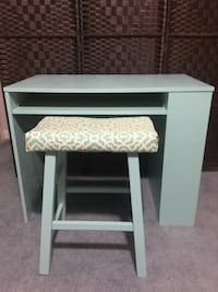 Aquaverde Desk & stool w/ shelf Adamstown, 21710