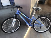 blue and white hardtail mountain bike 2233 mi