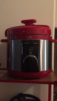 Wolfgang Puck 5quart pressure cooker never used  Hagerstown, 21742