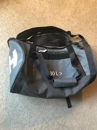 Like new Helly Hensen bag New Westminster, V3M 3P9