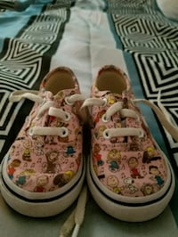 Toddler shoes size 4c