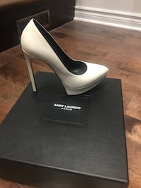 Yves saint laurent shoes size 6.5 Dollard-des-Ormeaux, H9B 2A2