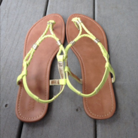 like NEW size 8 sandals Light Green with Gold Detailing Phoenix