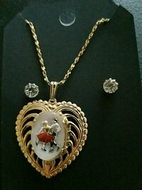 silver chain necklace with heart pendant Santa Fe, 87501