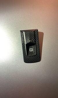 **TIGHTWAD MONEY AND CARD CLIP CARBON FIBER**