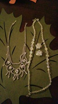 Vintage necklaces with earrings 776 km