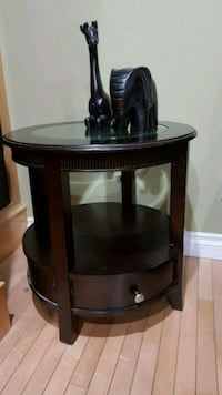 2 End/side Tables Calgary, T3J 4S8