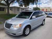 Chrysler - Town and Country - 2009 Aventura, 33160